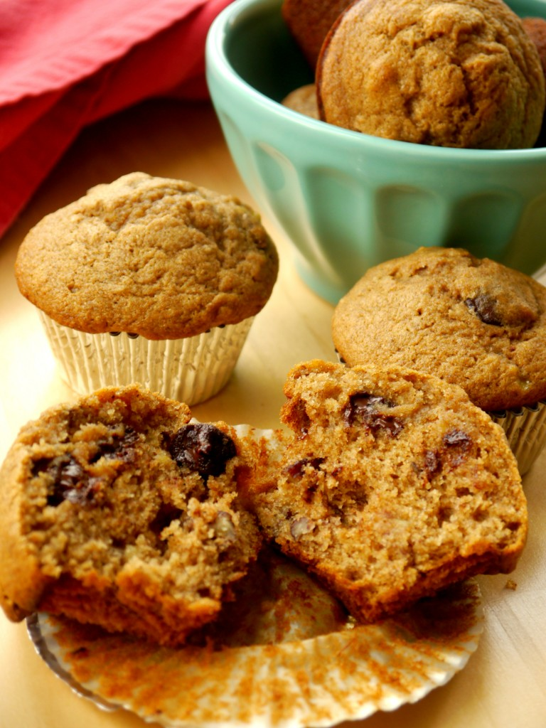 Whole Wheat Banana Muffins with Dark Chocolate and Toasted Pecans | My Bacon-Wrapped Life