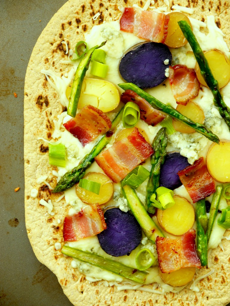 Asparagus and Fingerling Potato Flatbread Pizza | www.mybaconwrappedlife.com