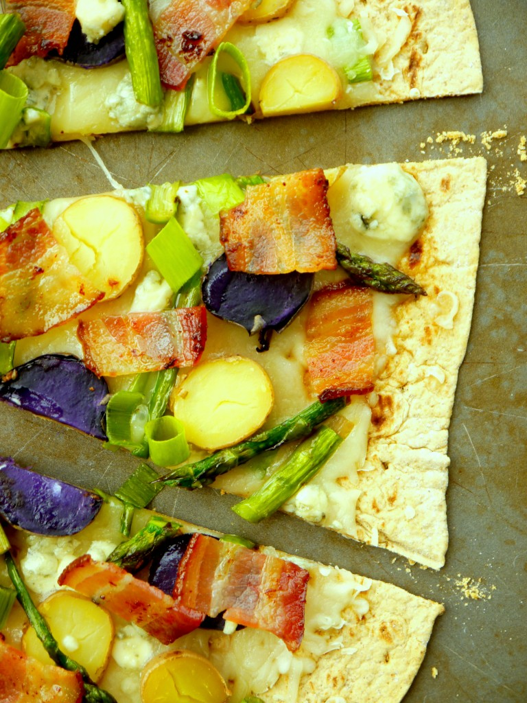 Asparagus and Fingerling Potato Flatbread Pizza with Bacon and Blue ...