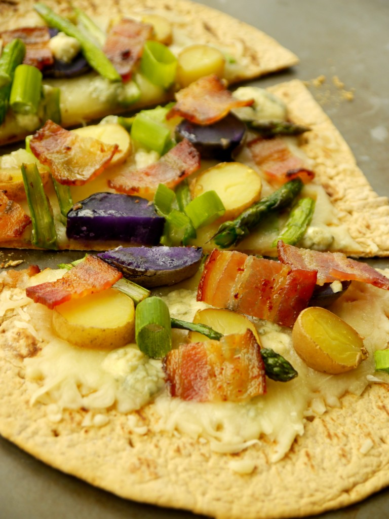 Asparagus and Fingerling Potato Flatbread Pizza 3 | www.mybaconwrappedlife.com