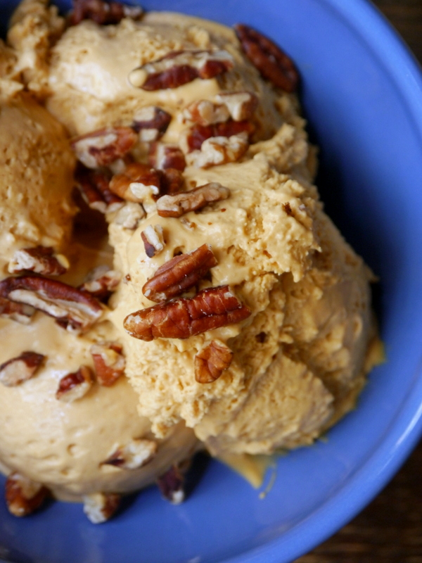 salted bourbon dulce de leche no-churn ice cream // my bacon-wrapped life