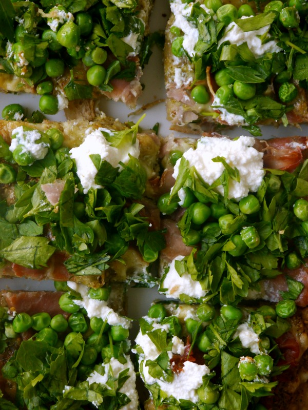 pea, prosciutto, and pistachio pesto pizza // my bacon-wrapped life